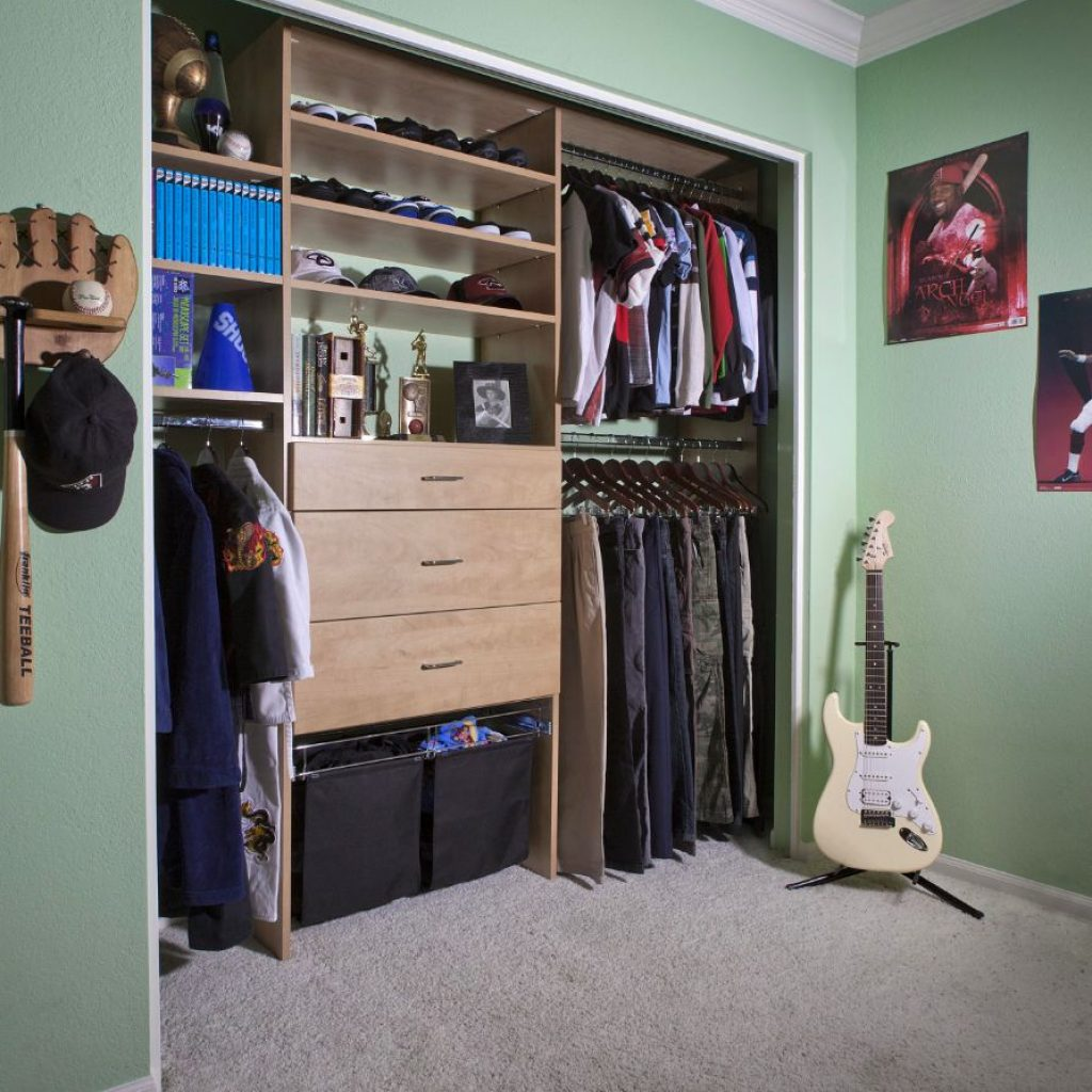 Reach in custom kids closets design for home organization